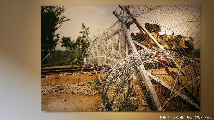 Herlinde Koelbl′s ″Refugees″ exhibition (Herlinde Koelbl, photo: DW/H. Mund)