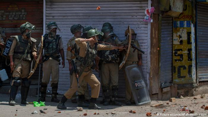 India Kashmir protest (photo: picture-alliance/AP Photo/D. Yasin)