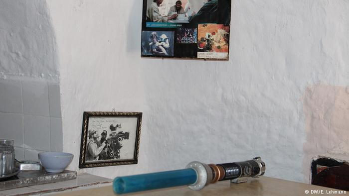 Lightsabre on a table in Tunisia (photo: E. Lehmann)