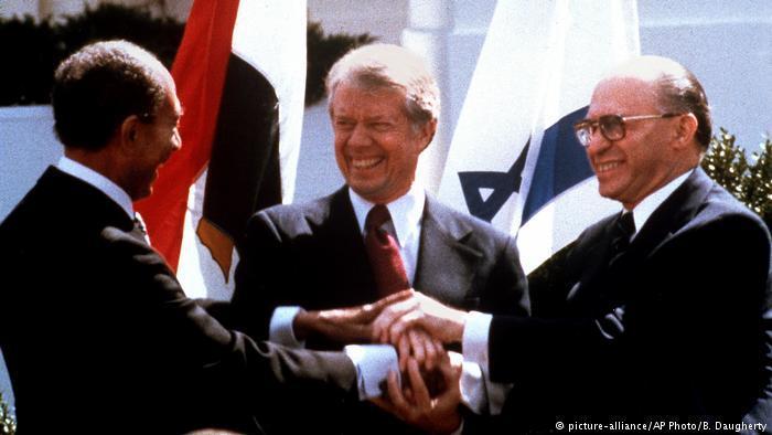 Sadat, Carter and Begin in Washington, 1979 (photo: picture-alliance/AP Photo/B. Daugherty)