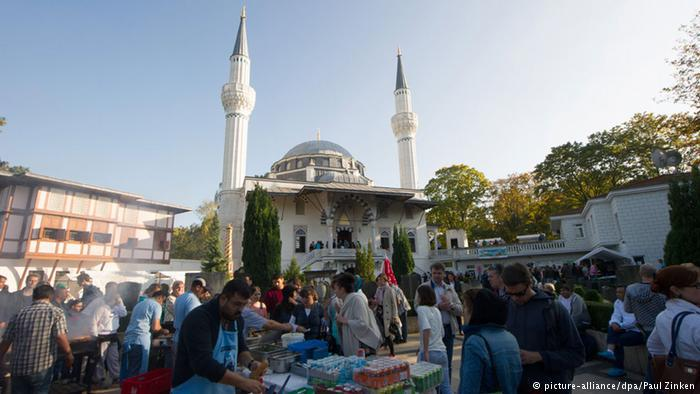 Mosque Open Day 2014 in Berlin