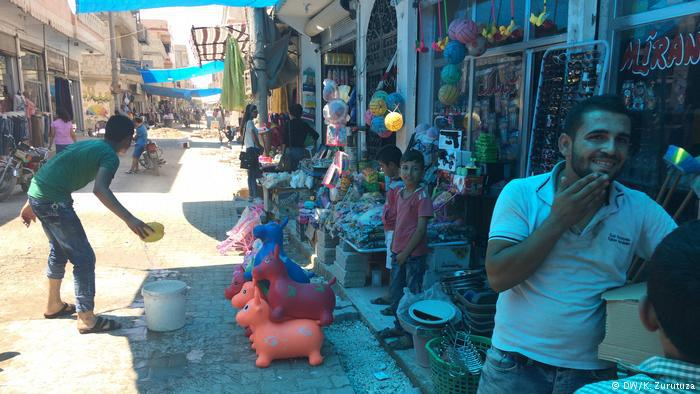 The bazaar in downtown Kobani (photo: DW/Zurutuza)