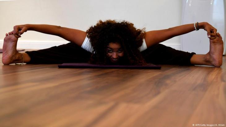 Yoga enthusiast Yasmin Machri practices at a studio in the western Saudi Arabian city of Jeddah on 7 September 2018 (photo: AFP/Getty Images/A. Hilabi)