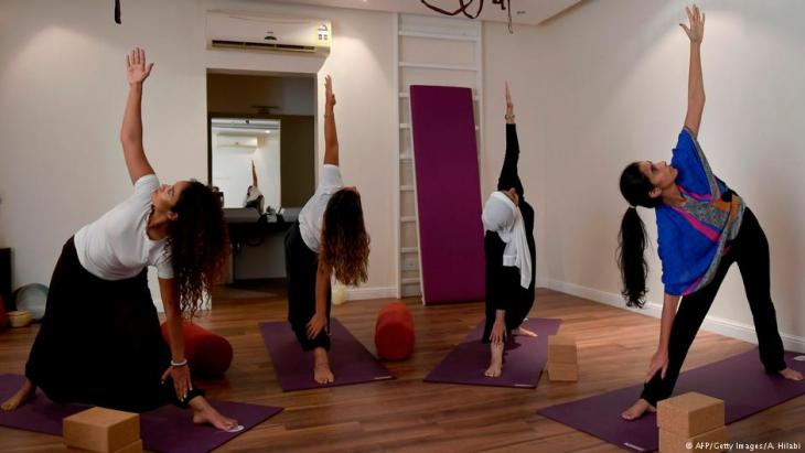 Saudi women practice yoga at a studio in the western Saudi Arabian city of Jeddah on 7 September 2018 (photo: AFP/Getty Images/A. Hilabi)