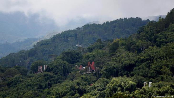View of the tomb landscape of Toraja (photo: Darren Whiteside/Reuters)