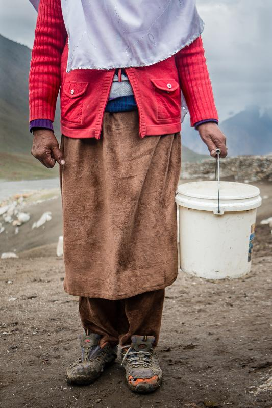 Milking garb of a Wakhi shepherdess (photo: Camille Del Bos)