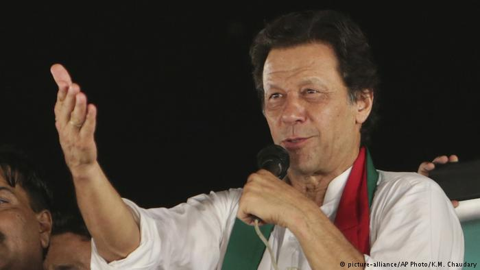 Imran Khan (photo: picture-alliance/AP Photo/K. M. Chaudary)