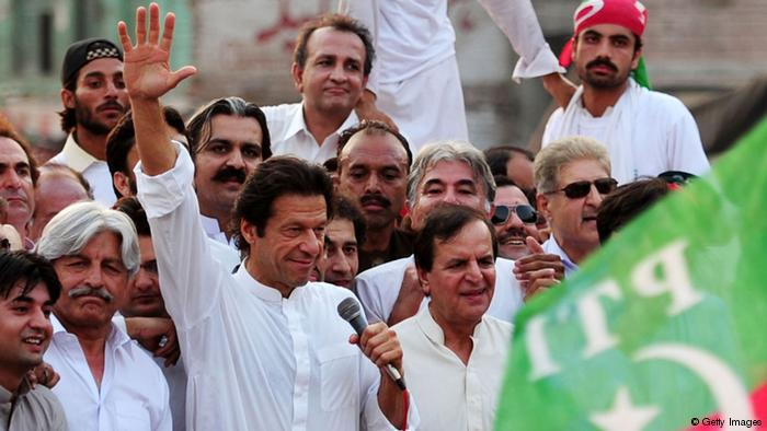 Imran Khan at a political rally (photo: Getty Images)