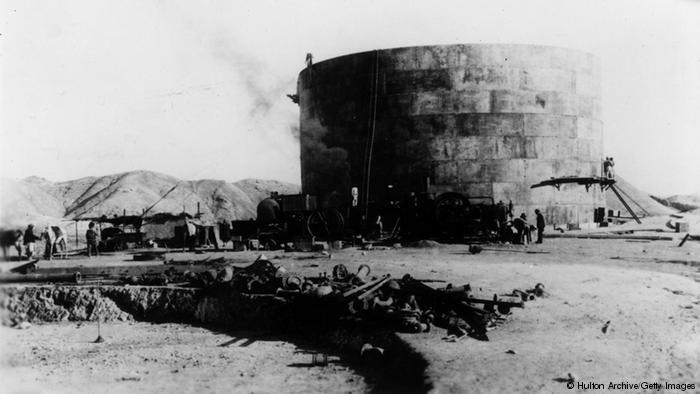 Oil tank at Masjid-i-Sulaiman, Iran, 1909