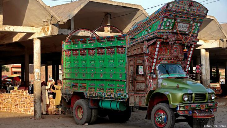 """Keep on trucking"": Art on the move in Pakistan (photo: Caren Firouz/Reuters)"