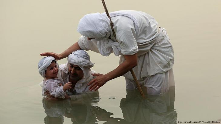 (photo: picture-alliance/AP Photo/H. Mizban)
