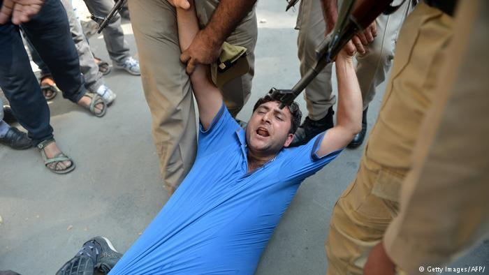 Symbolic image of Indian police violence (photo: Getty Images/AFP)