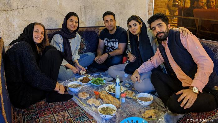 Dinner in Mashhad, Iran (photo: DW/F. Schlagwein)