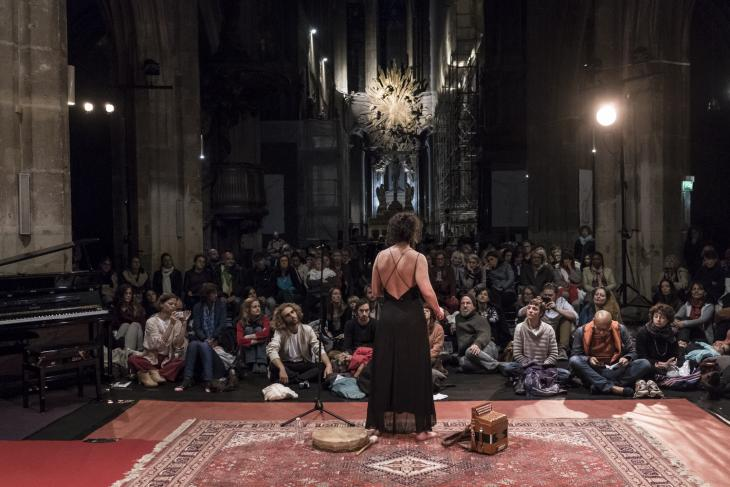 Fanny Perrier-Rochas performs Byzantine and Syriac songs on 8 June 2019 (photo: Jan Schmidt-Whitley / Le Pictorium)
