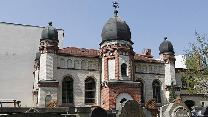 Synagogue in Halle, Germany (photo: Imago Images/S. Schellhorn)