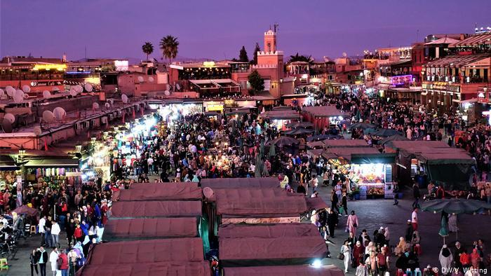 Morocco - aerial view of a Marrakesh souk at night (photo: DW/V. Witting)