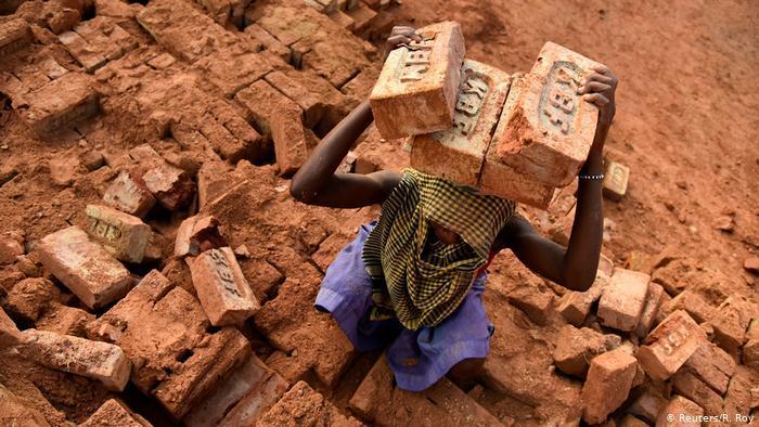 (photo: Reuters/Roy)