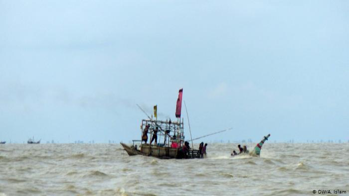 No easy crossing: there is no proper transport to and from the island. During monsoon season the high seas make it difficult to reach the island by boat