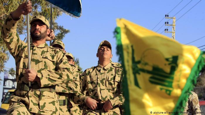 Members of Hezbollah's military wing (photo: picture-alliance/AP Photo/M. Zaatari)