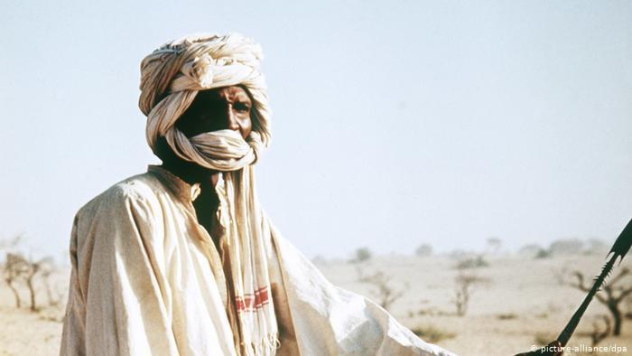 A Tubu man with a white head covering (photo: picture-alliance/dpa)