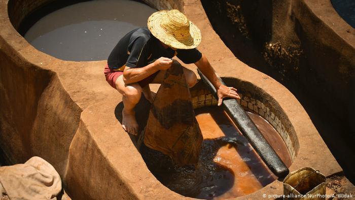 Chouara tannery in the heart of Fez (photo: picture-alliance/NurPhoto/A. Widak)