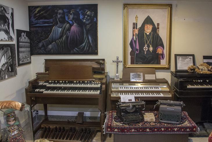 Organs, typewriters and paintings on display at the Artak Manookian Museum (photo: Changiz M. Varzi) (photo: Changiz M. Varzi)