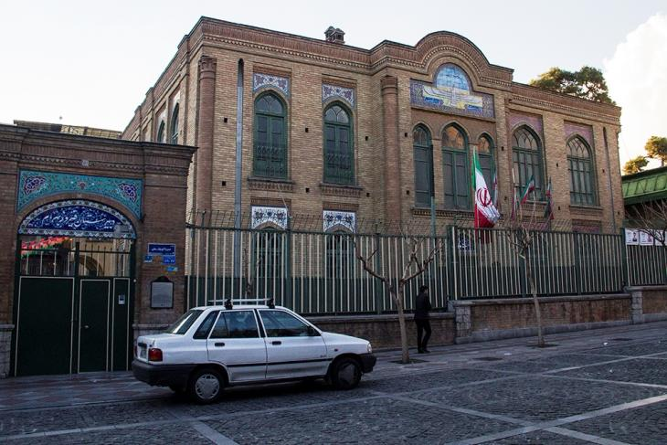 Firooz Bahram high school, adjacent to the fire temple, only accepts Zoroastrian students (photo: Changiz M. Varzi)