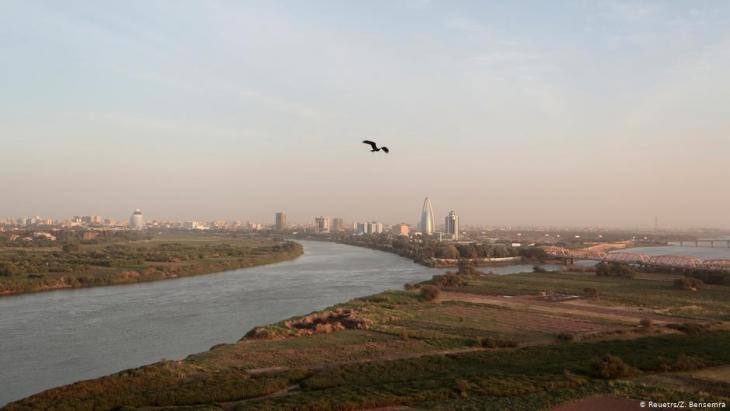 A bird flies over the convergence between the White Nile river and Blue Nile river in Khartoum, Sudan, 17 February 2020 (photo: REUTERS/Zohra Bensemra)