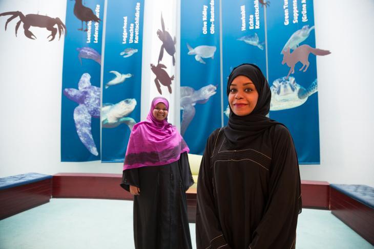 Aïda and Khadija work at the Ras al Jinz Turtle Reserve (photo: Pascal Mannaerts)