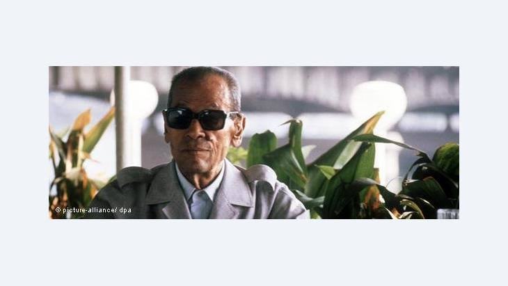 Naguib Mahfouz on the day it was announced that he was to be awarded the Nobel Prize for Literature, 13 October 1988 (photo: picture alliance/dpa)