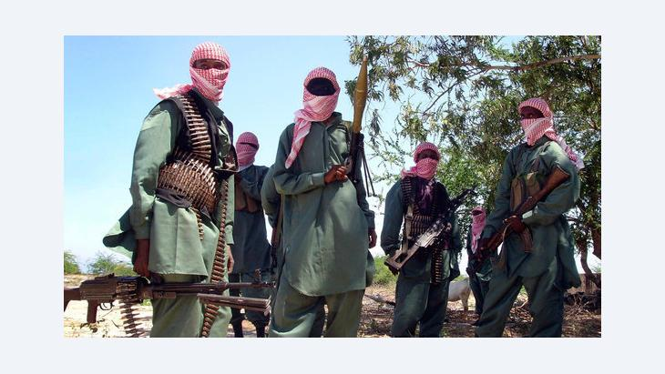 Al-Shabaab militiamen near Mogadishu (photo: dapd)