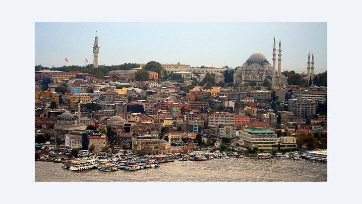 Beyazit Tower, Sulemaniye Mosque in Istanbul (photo: Manjeet Bawa/Wikipedia)