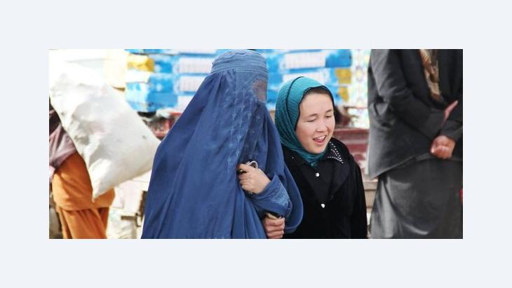 Burka and headscarf – worn in equal measure by Afghan women (photo: Marian Brehmer)