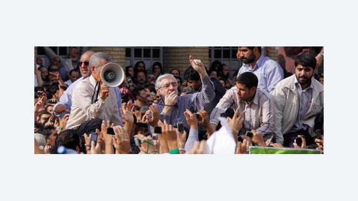 Mir Hossein Mousavi addressing supporters in Tehran (photo: AP)
