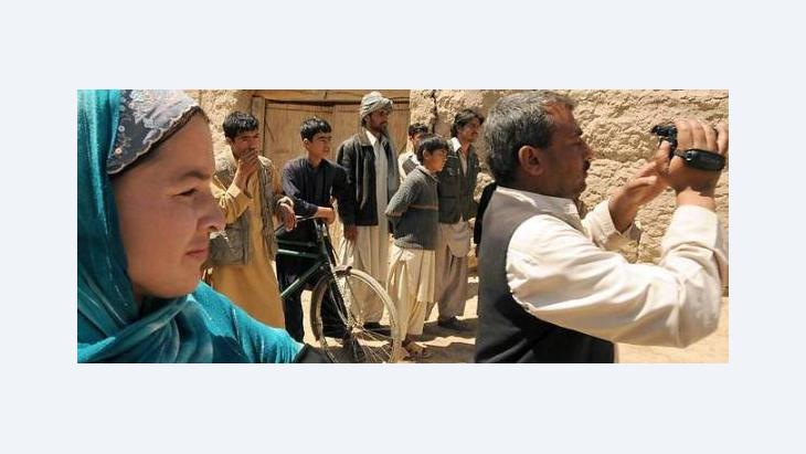 An Afghan crew shooting a film in Kunduz (photo: Martin Gerner)