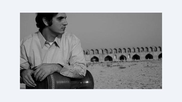 The Iranian Tombak virtuoso Mohammad Reza Mortazavi in Isfahan (photo: Wikipedia)