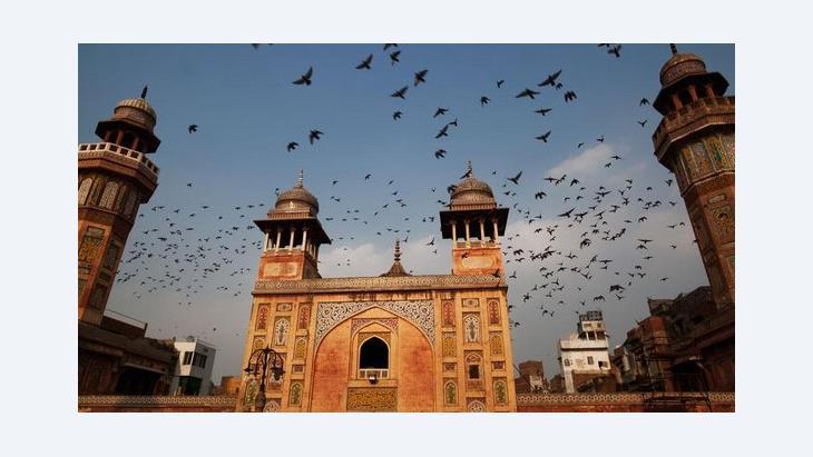 Mosque in Lahore, Pakistan (photo: Daniel Berehulak/Getty Images)