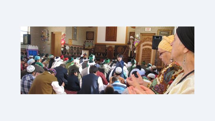 Sufis in the mosque on Eid ul-Fitr from diverse cultural and religious backgrounds (photo: Mary Fowles)