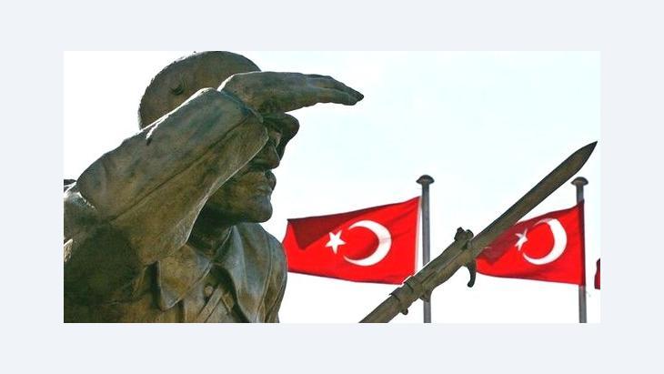 Statue of Ataturk in Ankara (photo: dpa)