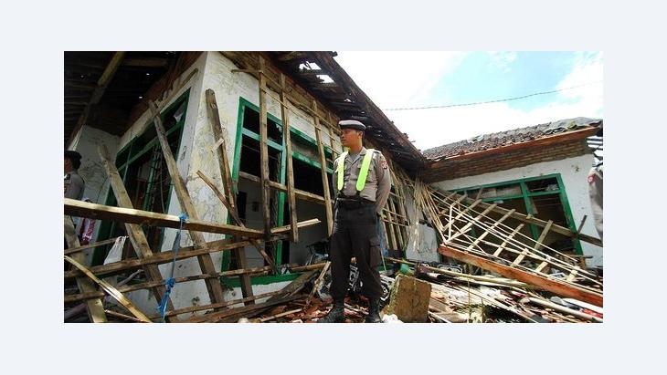 A destroyed Ahmadi home in Pandeglang, Indonesia (photo: AP)