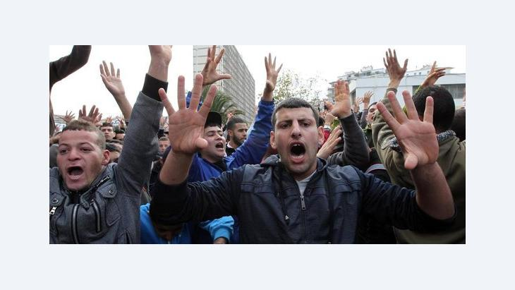 Anti-government protests in Algeria (photo: dpa)