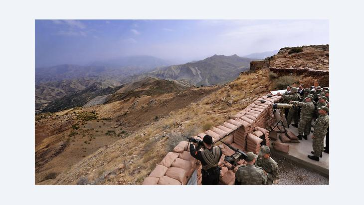 Turkish soldiers in the Kurdish territory Hakkari, close to the Iraqi border (photo: ddp images/AP Photo/Murat Cetinmuhurdar, Presidential Press Service)