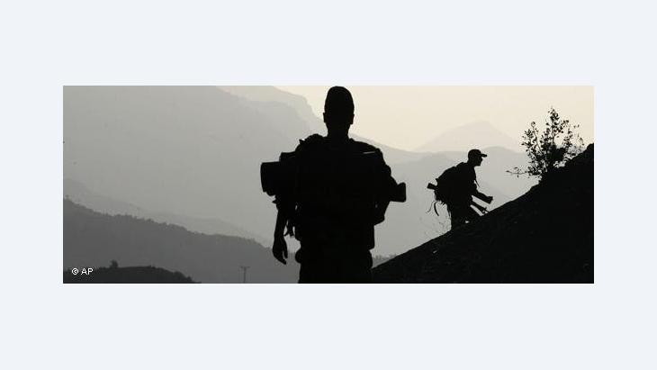 Turkish soldiers in the Turkish–Iraqi border region (photo: AP)