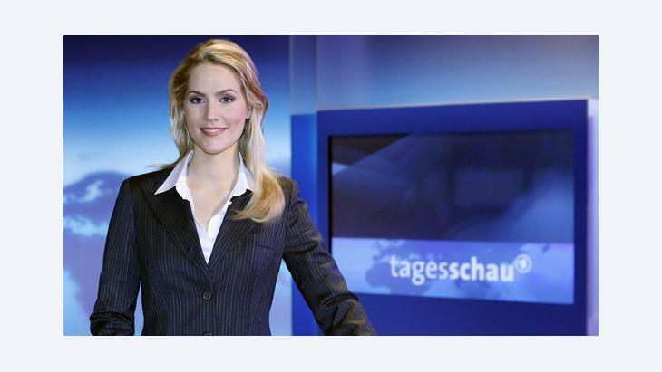 The anchor woman, Judith Rakers, presenting the German news bulletin, ''Tagesschau'' (photo: dpa/Sebastian Widmann)