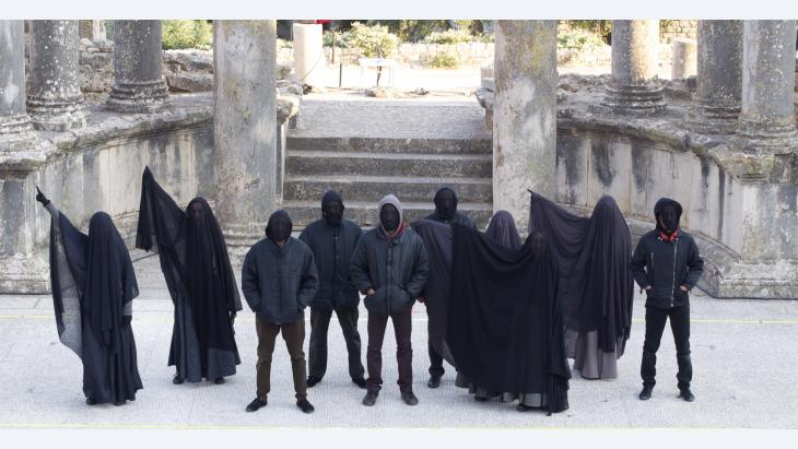 "Performance of Fadhel Jaibi's play ""Tsunami"" in Dougga (photo: Sarah Mersch)"