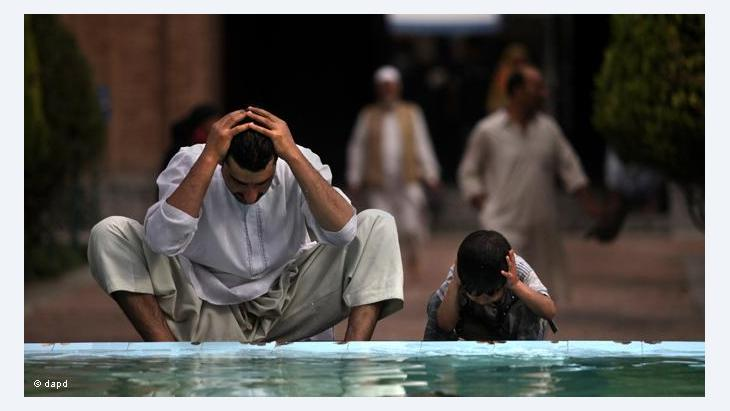 Fasting in high summer proves to be a considerable strain on the body (photo: dapd)