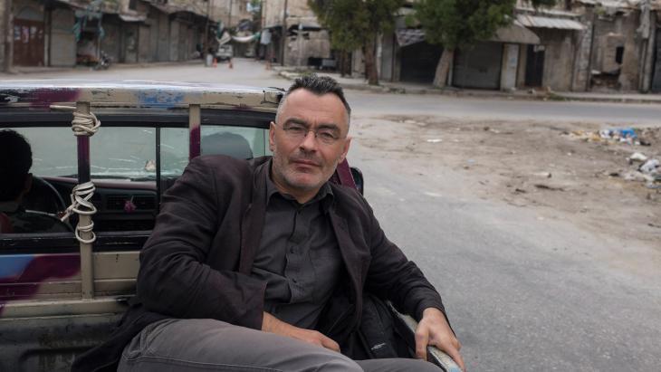 Interview with der spiegel reporter christoph reuter for Journalist spiegel