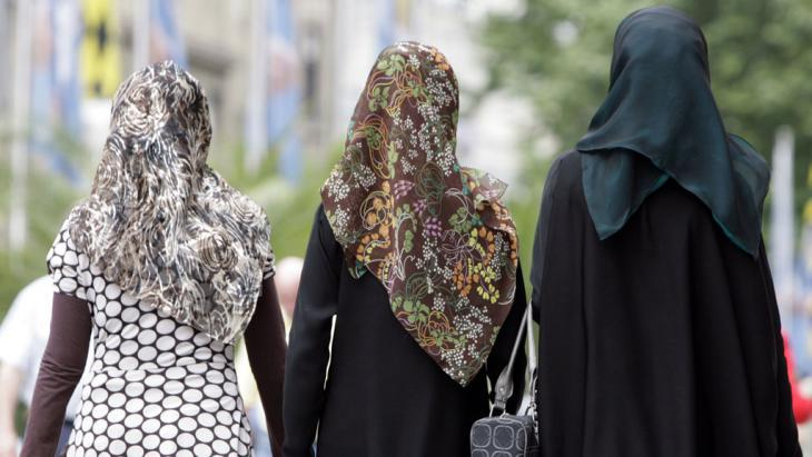 On Muslim women and the Islamic dress code