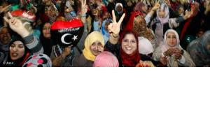 Libya's women celebrate at Saha Kish Square in Benghazi, Libya, Sunday Oct. 23, 2011 as Libya's transitional government declare liberation of Libya after months of bloodshed that culminated in the death of longtime leader (photo: dapd)