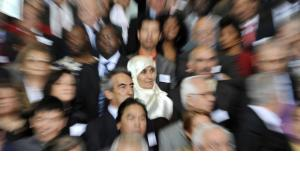 Migrants at Angela Merkel Chancellery on 1 September 2008 celebrating the contribution of guest worker's to Germany's economic rise (photo: dpa)